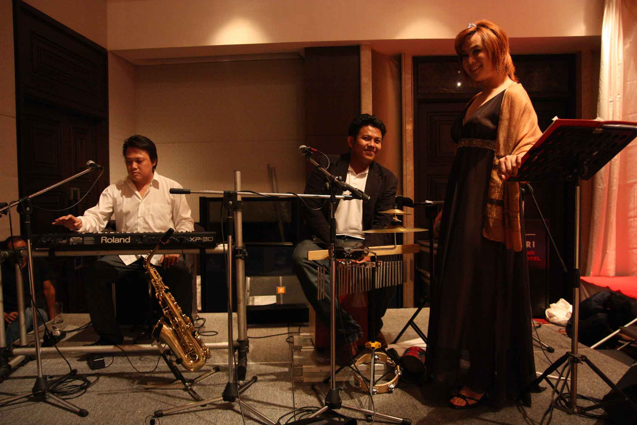วง pop/jazz band